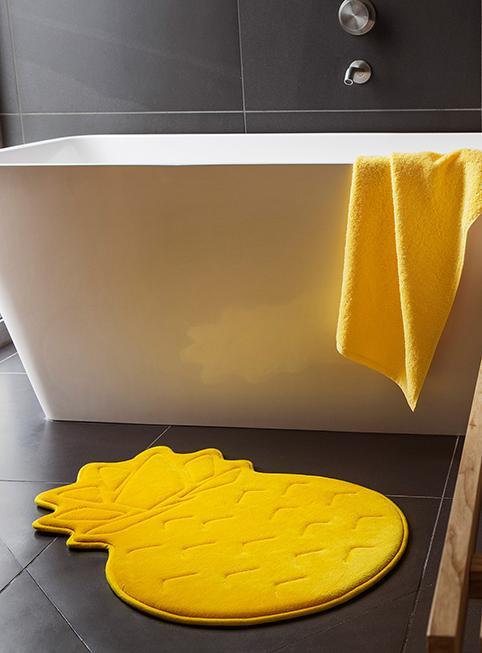 tapis devant de baignoire n15. Black Bedroom Furniture Sets. Home Design Ideas